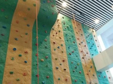 成人攀岩墙定制